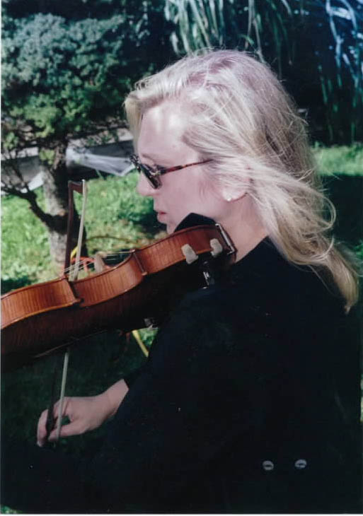 Pamela Wright, violin